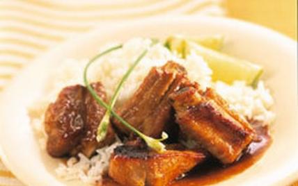 Travers de porc caramélisé au miel - Photo par Le Porc