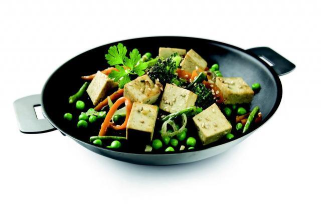 Tofou fumé sauté au wok - Photo par Soy