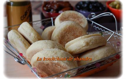 Mini batbouts (muffins marocains) nature ou à fourrés - Photo par shandr