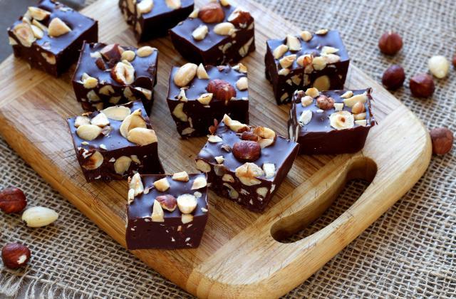 Carrés au chocolat, Nutella et fruits secs - Photo par Silvia Santucci