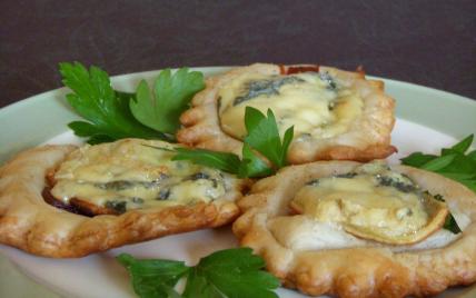 Tartelettes apéritives Fourme d'Ambert et pâte de coing - Photo par elisev