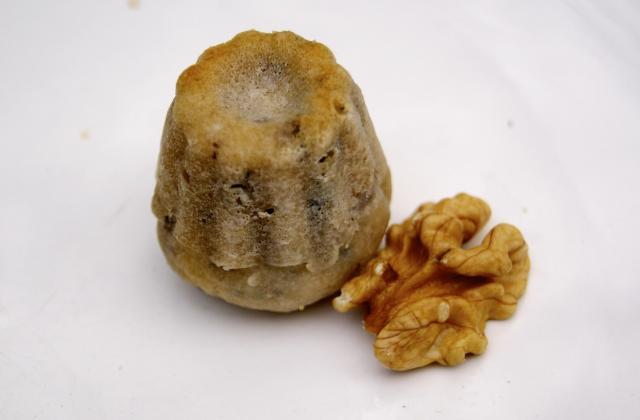 Mini cannelés au Roquefort et aux noix - Photo par ptitecC