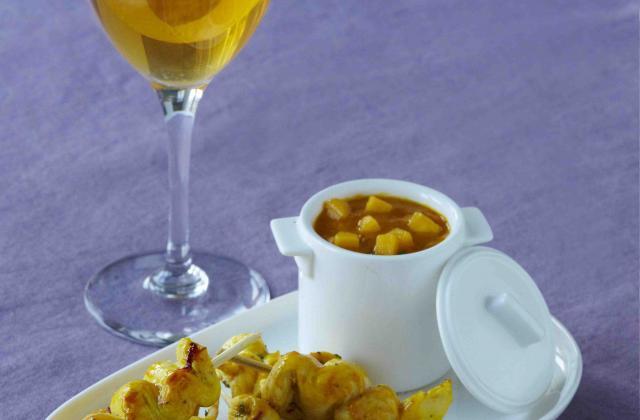Mini brochettes de poulet pimenté et sauce mangue - Photo par Unicid