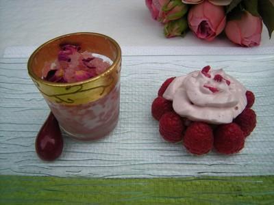 Compotée de rhubarbe à la fraise-verveine aux parfums de roses! - Photo par Chef Damien