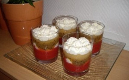 Verrines aux fruits et crème chantilly - Photo par aoussa