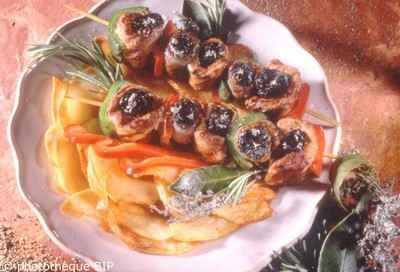 Brochettes de pruneaux farcis - Photo par 750g