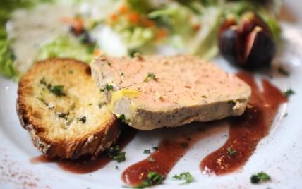 Foie Gras croque-sel au piment d'espelette et sa gelée - Photo par Bipertegia