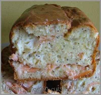 Cake au saumon, citron, pavot et son velouté à la ciboulette - Photo par sandricCV