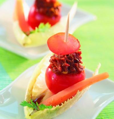 Tomates cœur de pigeon farcies de concassé de tomates séchées et gingembre, cumin - Photo par Cassegrain