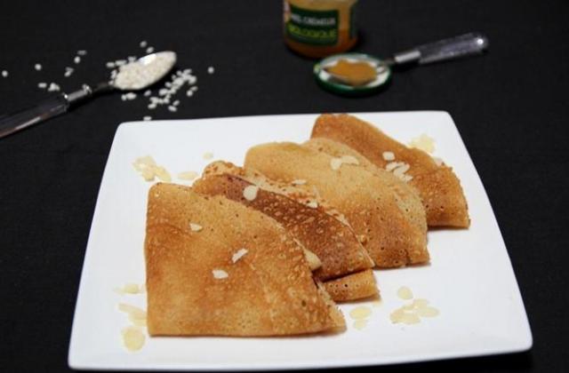 Crêpes sans gluten et sans lactose au lait d'amande et farine de riz - Photo par payett