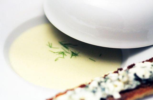 Crème froide de chicons et poire tartinette de Roquefort Papillon - Photo par uncuisq