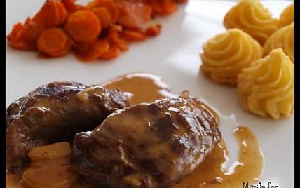 Joue de porc au cidre, crème d'ail et pommes fondantes - Photo par mimilafee