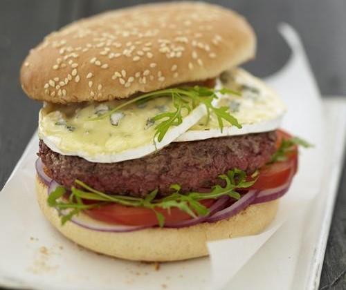 Bresse-burger : le burger au Bresse Bleu - Photo par Quiveutdufromage.com