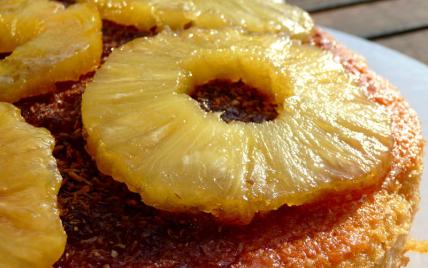 Gâteau au yaourt, au rhum et à l'ananas - Photo par bagout