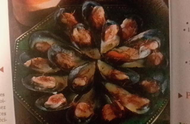 Velouté de moules au safran et son croustillant de cheddar - Photo par Invité
