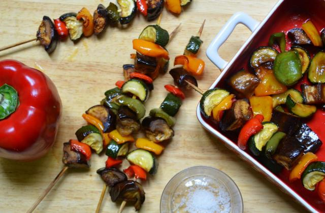 Brochettes de légumes marinées au ketchup - Photo par Amora