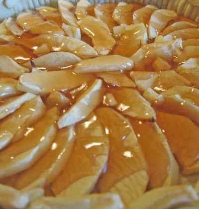 Tarte aux pommes nappée de gelée - Photo par agphil