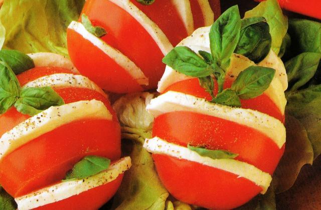 Salade tomate-mozzarella en éventail - Photo par remydup