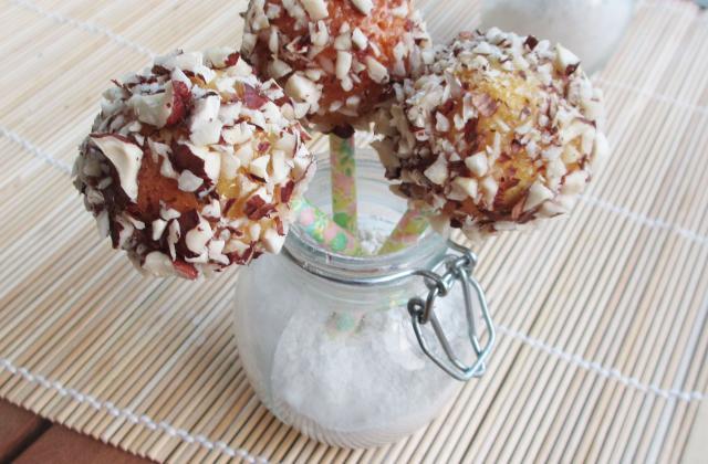 Cake pops roquefort, piment d'Espelette, enrobés d'éclats de noisettes et miel - Photo par Carottesjaunestomatesroses