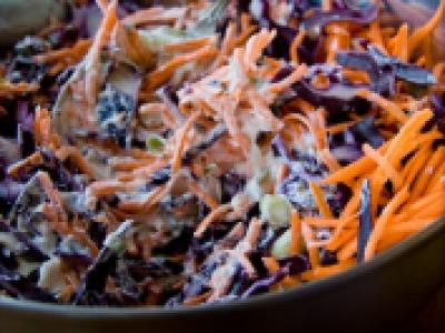 Salade de coleslaw au chou rouge et aux carottes - Photo par 750g