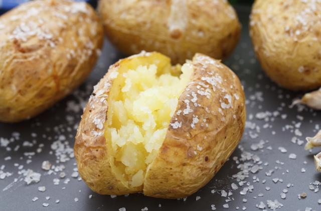 8 recettes de pommes de terre au four végétariennes - Photo par Chef Damien