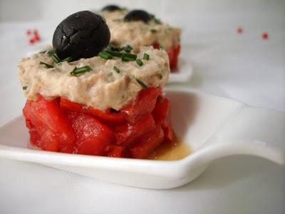 Tomates et mousse de thon citronnée - Photo par fimere2