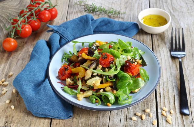 Salade de légumes du soleil, vinaigrette à la sauce soja sucrée - Photo par Silvia Santucci