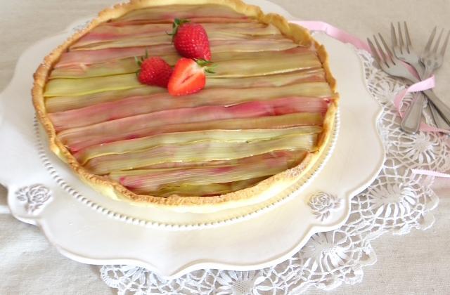 6 recettes mêlant avec bonheur fraises et rhubarbe - Photo par Rosenoisettes