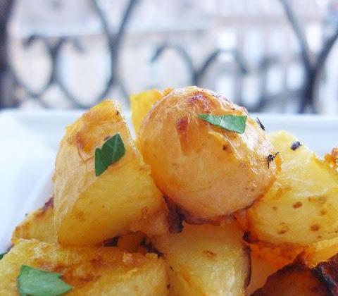 Pommes de terre nouvelles rôties à la moutarde douce - Photo par Petite Cuillère et Charentaises
