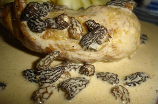 Cuisses de poulet aux morilles - Photo par stephjh
