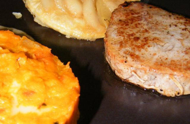 Noisettes de chevreuil, tarte tatin de poire et purée de potimarron façon tartiflette - Photo par stephaniegr