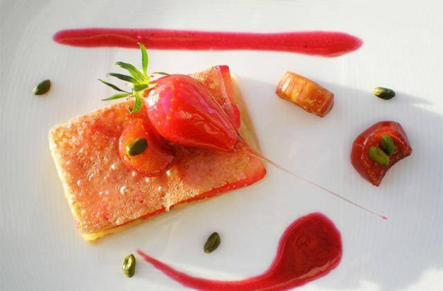 Craquant de fraises et bonbons rhubarbe - Photo par lenfanu