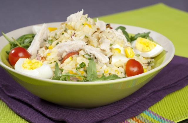 Salade de riz au maïs et poulet - Photo par Amora