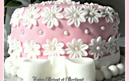 Gâteau fleuri pour la fête des Mamans - Photo par nibele