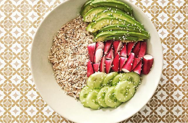Salade fraîcheur façon Poke Bowl - Photo par BlogueusementFood