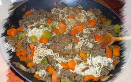 Nouilles sautées au bœuf au curry - Photo par Sophie21