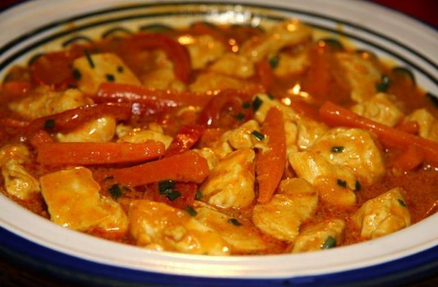 Poulet curry jaune au lait de coco - Photo par jackieyZ