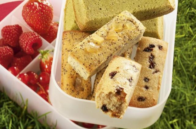 Mini cakes aux pruneaux... pavots/gingembre... thé Matcha - Photo par Cedus Le sucre