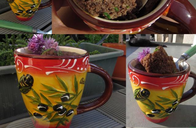 Mug cake à la tapenade noire - Photo par vgonza