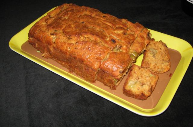 Cake au thon à la tomate et olives vertes - Photo par foxxy7