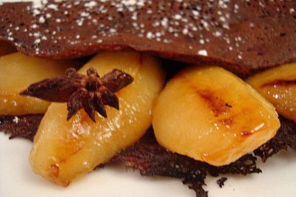 Crêpes tout-choco et poêlée de poires - Photo par bamogo