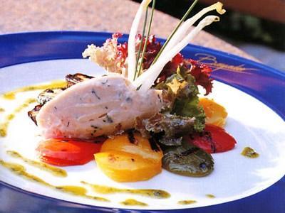 Rillettes aux deux saumons et légumes grillés à la salade de mesclun, huile d'herbes - Photo par meynadv