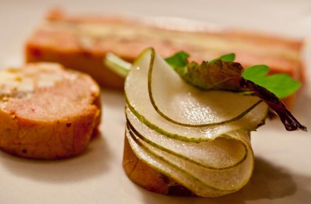Roulé de foie gras aux poires et au Comté - Photo par Comté