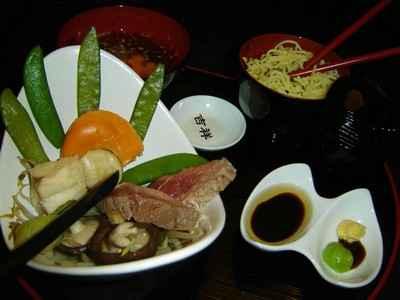 Magrets de canard et Saint Jacques en bouillon de légumes au miso - Photo par agnestriomp