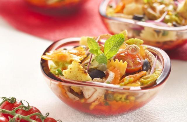 Salade de Farfalle Tricolore Barilla au poulpe, sauce aux poivrons - Photo par Barilla