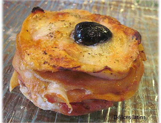 Millefeuille de crêpes tomates et mozzarella - Photo par delices latins