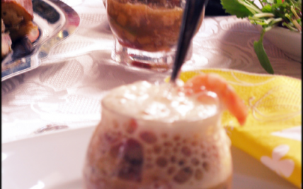 Salade maritime acidulée, espuma de pomelos en verrine - Photo par loreli5