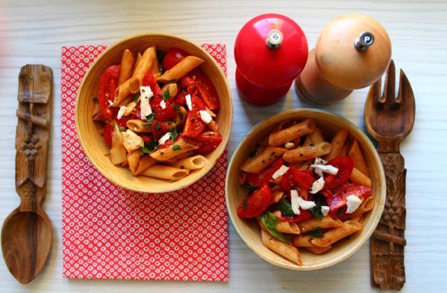 Salade de Penne rigate aux poivrons grillés et au chèvre - Photo par Royal Chill