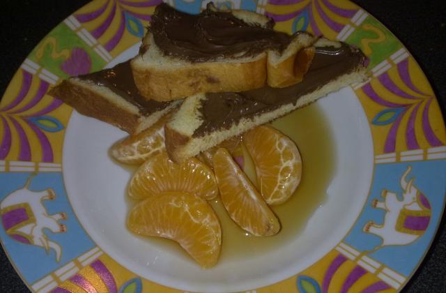 Clémentines au sirop et tartines nutella - Photo par chryst7X