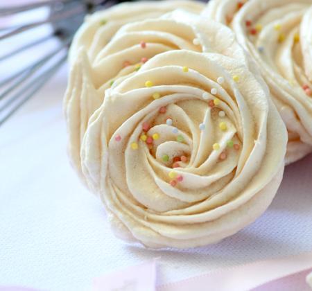 10 jolies recettes de meringues - Photo par Délice Céleste